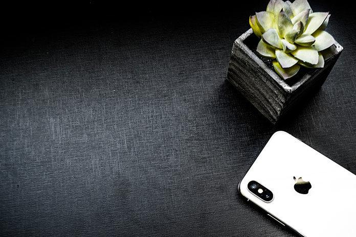 iPhone X – oferty abonamentu z telefonem. Czy to się opłaca?